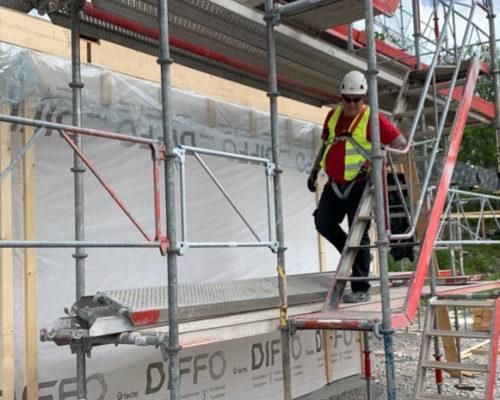 Tryck på byggställningar på privatmarknaden